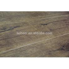 Natureza Maple Laminate Flooring
