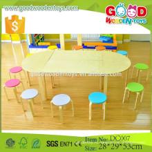 2015 новый дизайн массивная мебель из дерева набор дошкольного стола и стульев для продажи