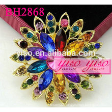 colored flower crystal fashion brooches