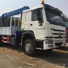 HOWO 25 Ton Truck with mounted crane