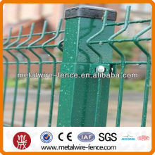 Wire mesh fence for sheep