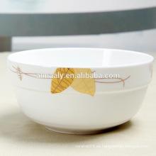 Cuenco de fideos de cerámica barata
