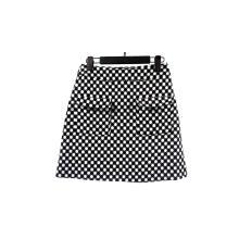 Черно-белая женская юбка с принтом в горошек