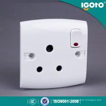 Soquete tipo britânico E15-N 15A e interruptor com nônio
