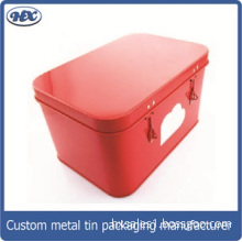 Metal lunch box with lock
