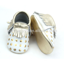 New born baby gold moccasins shoes cute pattems for baby shoes