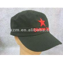 Casquettes et chapeaux militaires brodés avec une étoile rouge