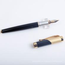 Pluma de caligrafía negro de lujo con el logotipo como regalo de negocios