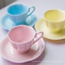 colorida taza de café con transferencia de calor
