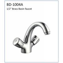 Bd1004A Grifo de lavabo de montaje de cubierta de doble manija