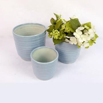 Conjunto de vasos de cerâmica vitrificada colorida com 3 peças