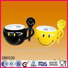 Factory direct hot sales ceramic mug with spoon in handle