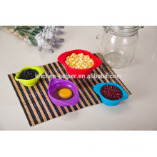 Кухонные приборы с индивидуальным дизайном для верхней части продажи Складывающиеся складные силиконовые мерные чашки для сухих ингредиентов