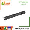 Factory Wholesale 2 * AA Dry Battery Cellulaire à main portable Aluminium Meilleur torche à pharmacie médicale pour les médecins