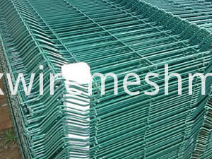 PE coated wire mesh panel