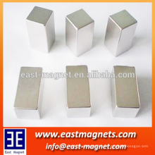 Imanes cuadrados de neodimio N35 para levantar / cubo Imán de NDFEB