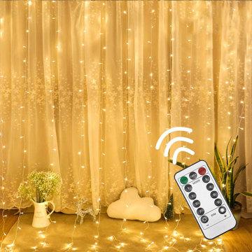 Dekorations-Weihnachten im Freien führte Vorhang-Licht
