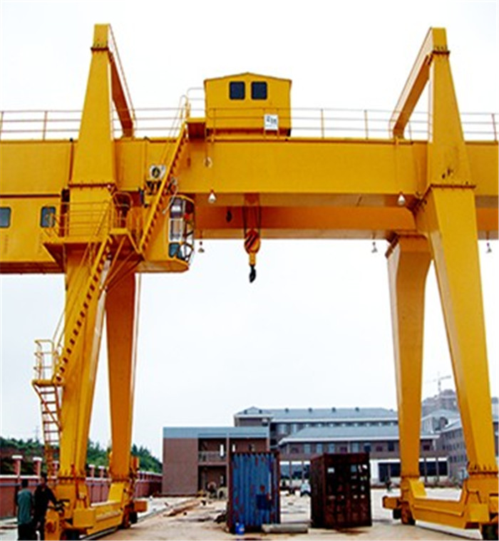 A Model Double Girder Gantry Crane