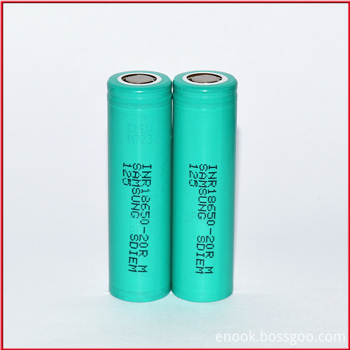 authentic Samsung 18650 20R 3.7 2000mah Battery