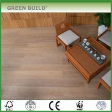 Couleur gris grain de chêne avec sol en bambou massif brossé blanc de 14 mm