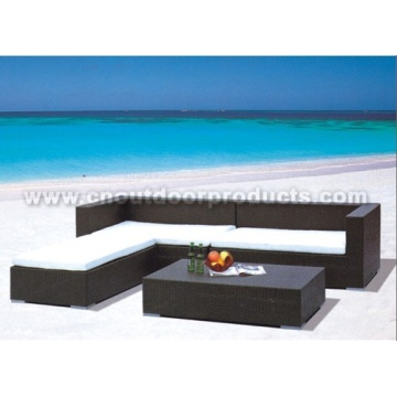 Muebles de mimbre al aire libre
