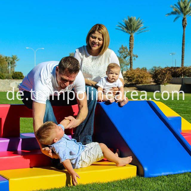 kids soft play (2)