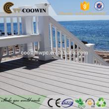 Plataforma compacta de madeira sólida resistente à água para docas