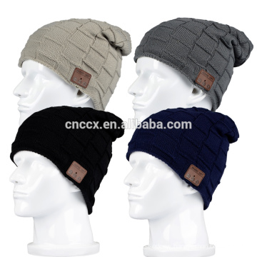 PK18ST020 cable knitting chunky beanie hats wireless earphone hats