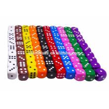 Dados de juego grabados de esquina redonda personalizada de alta calidad de color