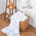 Serviette d'hôtel / Doux satin frontière blanchiment blanc Couronne serviette de bain en coton ensembles