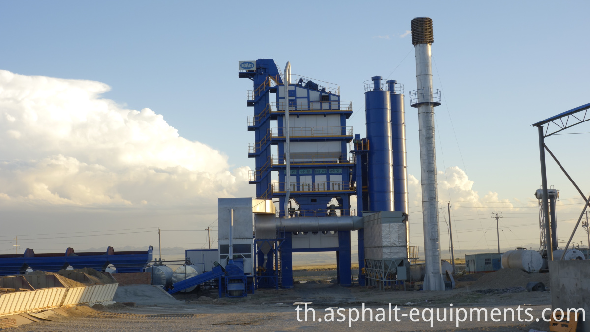 Batch asphalt mixers