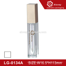 Cosmétiques lamelle à lèvres carrées matte tube étanche logo privé