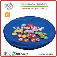 new product plywood material dice game size 22.5*22.5*5.5 cm OEM kids educational dice wooden game MDD-1081