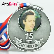 Médaille en aluminium imprimée par coutume d'insertion d'animal en aluminium avec l'autocollant d'impression