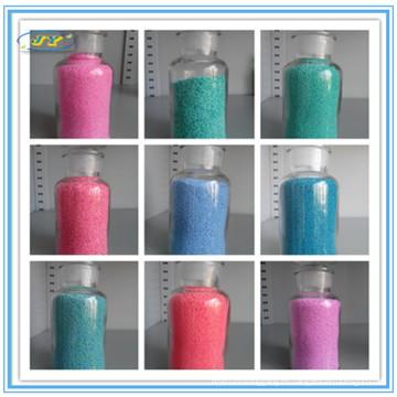 Diferentes manchas de color para detergente en polvo