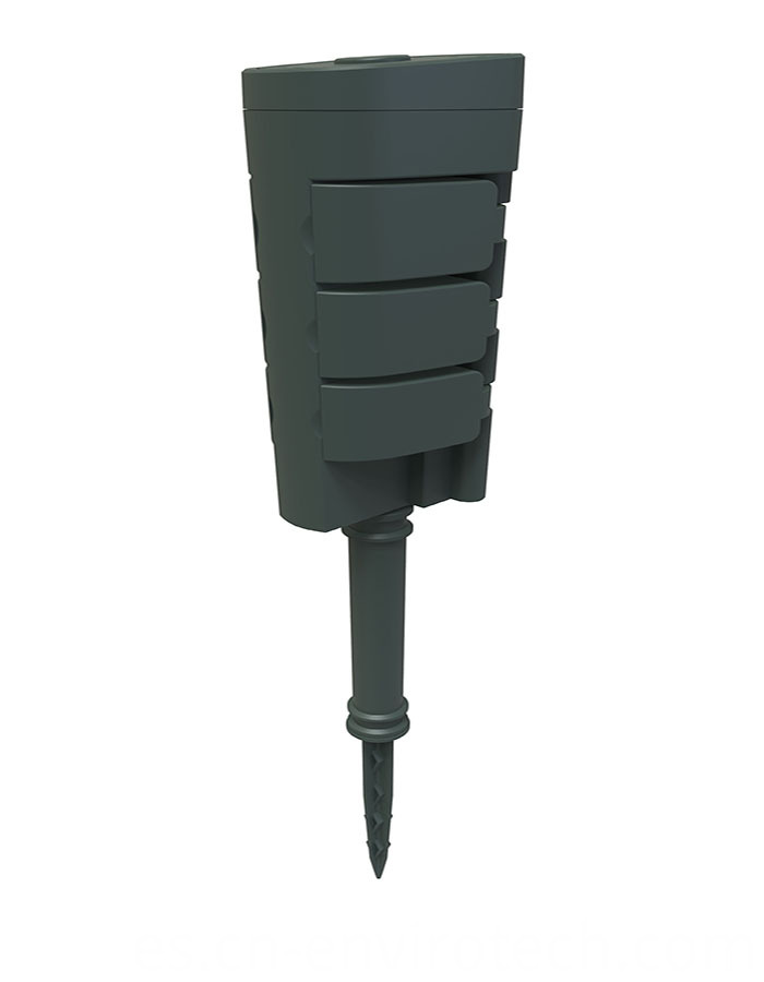 Outlet RF ground stake