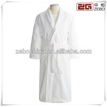 Albornoz de terciopelo del hotel de lujo de los hombres de lujo al por mayor del mantón blanco de moda