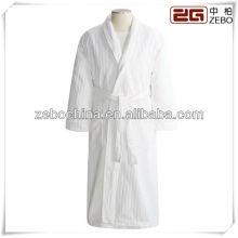 Roupão de veludo de moda branco de luxo xale colar de luxo dos homens