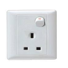 British Style Switch Socket (A225)