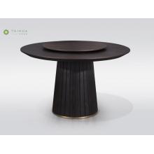 Круглый обеденный стол из цельного дерева с металлическим дном