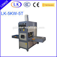 PET clamshell packaging machine