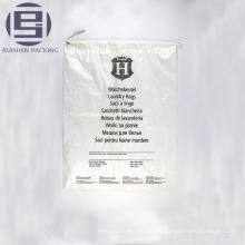 Bolsa de plástico transparente con fondo plano y plano