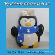 Adorável pingüim de Natal Ceramic Toothpick Holder