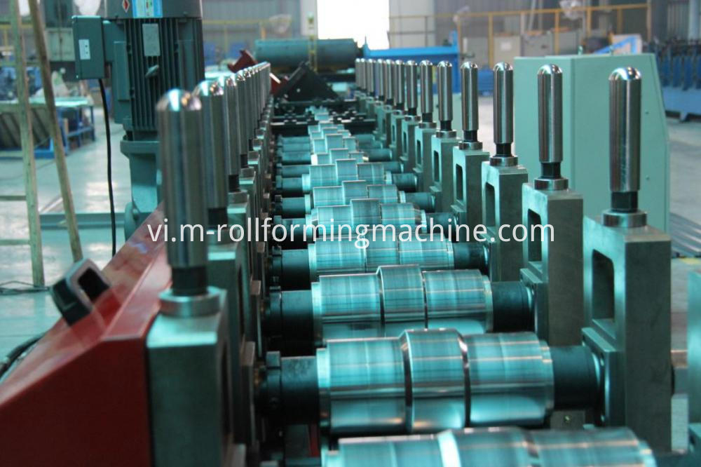L steel roll forming machines
