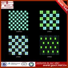 azulejos fluorescentes del material de la decoración interior de la pared para el mosaico de cerámica