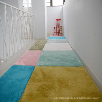 modèles de tapis hirsutes pour le salon