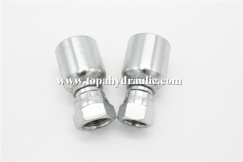 Equal bolt tensioner hydraulic pipe connectors