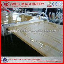 60% Bois (coquille de riz / paille / bois) + 30% de plastique recyclé (PP / PE / PVC) composite WPC ligne de production de profil / machine à bois en plastique