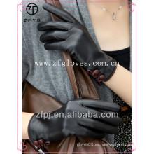 Guantes de cuero femeninos diseñados manera