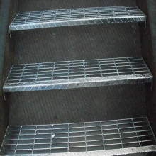 Passos de escada de aço industrial